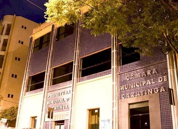 Pedido de cassação de vereadora é julgado improcedente em Caratinga