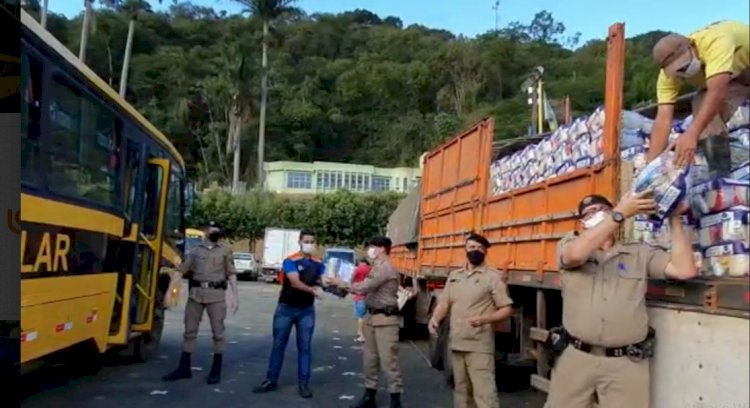 PM faz distribuição de 2.600 cestas na região de Manhuaçu