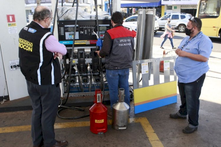 Postos de Uberlândia vão pagar multa de R$ 18 mil